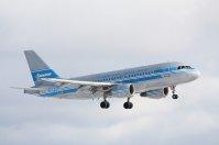 Samolot w obłokach